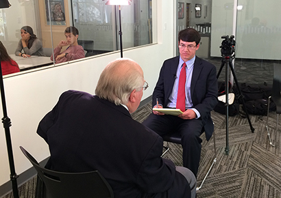 Thompson, a journalism graduate, interviewed the sportscaster Verne Lundquist during his visit in April 2016.